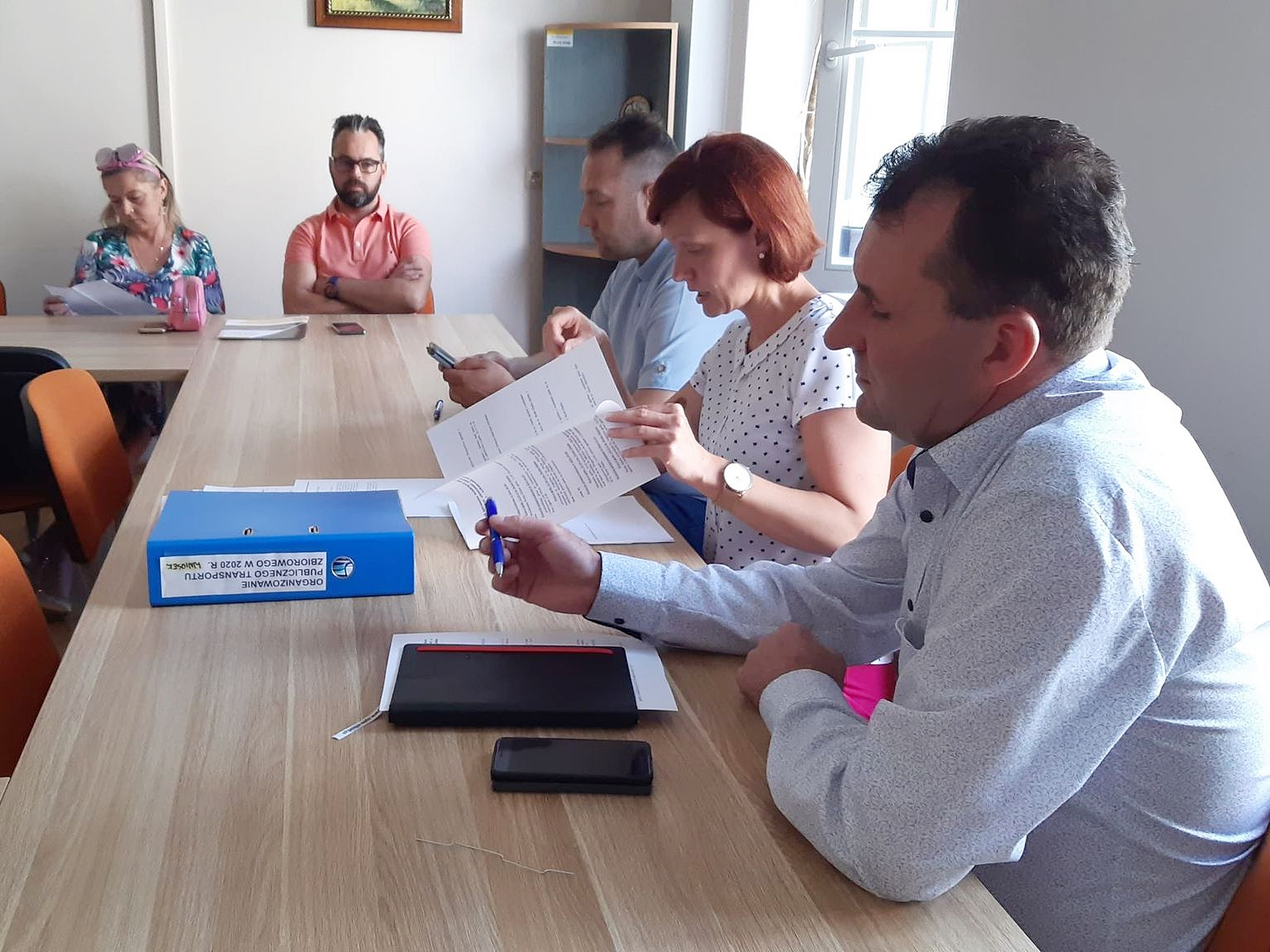 Ilustracja do informacji: Spotkanie lokalnych władz z przewoźnikami