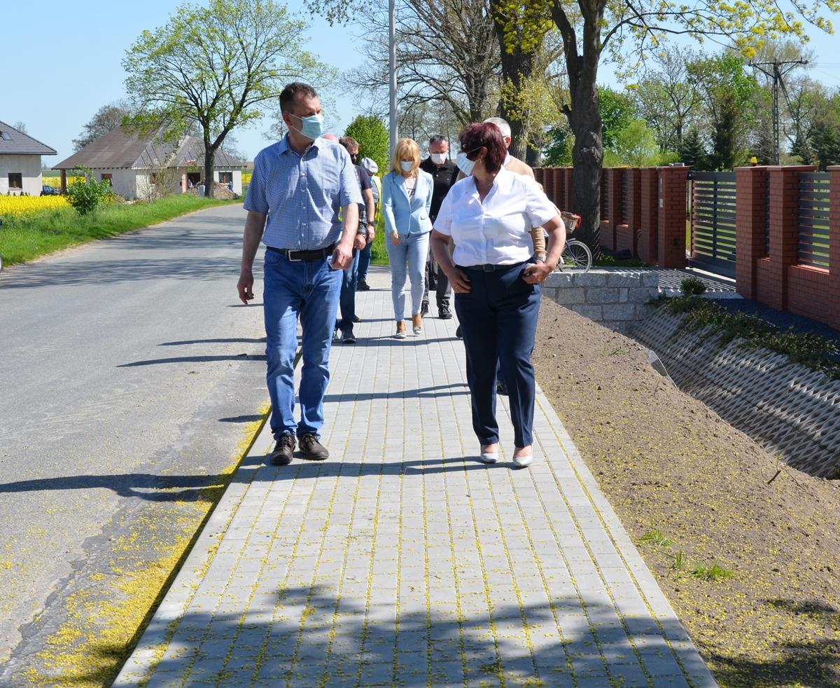 Ilustracja do informacji: Przybyło 950 m nowych chodników